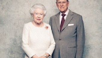 Reina Isabel y duque de Edimburgo celebran 70 años de casados