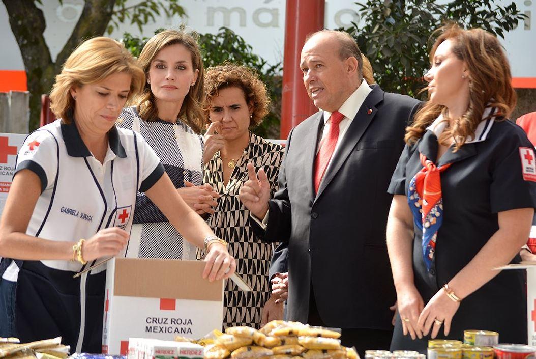 Reina Letizia visita instalaciones de la Cruz Roja Mexicana
