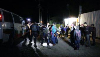 Rescatan a 33 indocumentados en Villahermosa, Tabasco