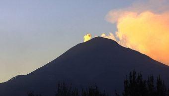 volcán popocetepel emite exhalaciones de baja