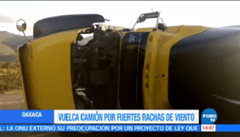 Vuelca Tráiler Oaxaca Fuerte Viento Carretera Panamericana