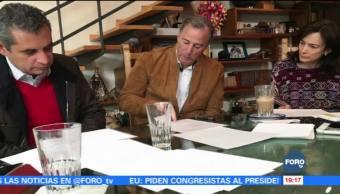 Meade trabaja con su esposa y Ochoa Reza para discurso del domingo