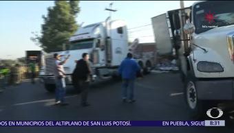 Vuelca tráiler en la México-Toluca y arranca operativo decembrino en CDMX