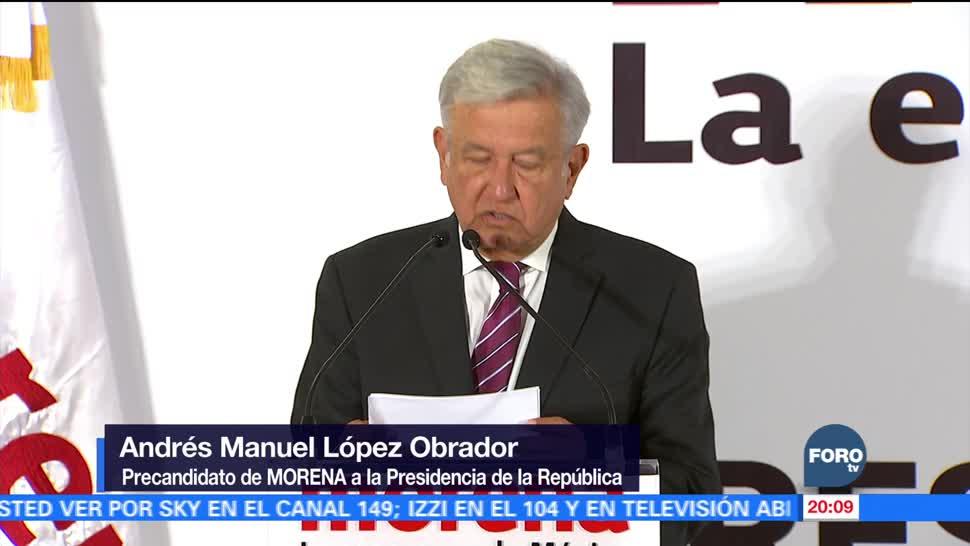 AMLO se registra como precandidato presidencial de Morena