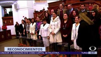 Asamblea CDMX entrega presea 'Hermila Galindo' a 10 mujeres por empoderamiento