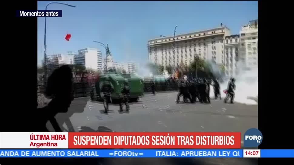 Diputados de Argentina suspenden sesión, se debatía recorte a las jubilaciones