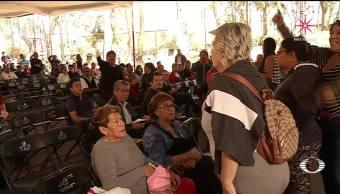 Golpes y sillazos previo a mitin de AMLO en Coyoacán