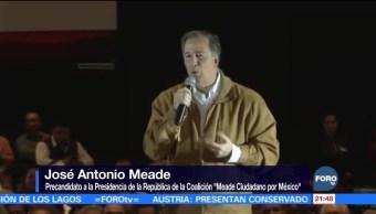 Meade se reúne con simpatizantes en el Centro de Convenciones de Puebla