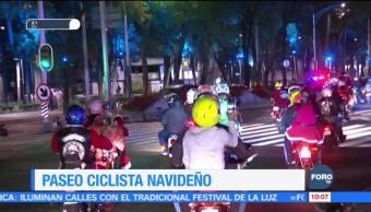 Realizan paseo ciclista navideño en la Ciudad de México