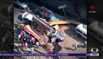 Caída de retroexcavadora deja dos muertos en Huixquilucan