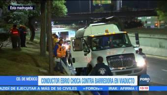 Camioneta choca contra barredora en Viaducto Miguel Alemán, CDMX