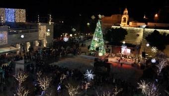 Inicia la Navidad en Belén con el tradicional encendido del árbol