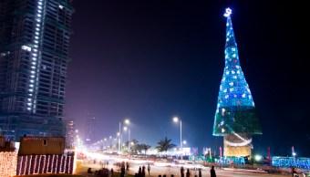 Sri Lanka recibe récord Guinness por árbol de Navidad más alto del mundo