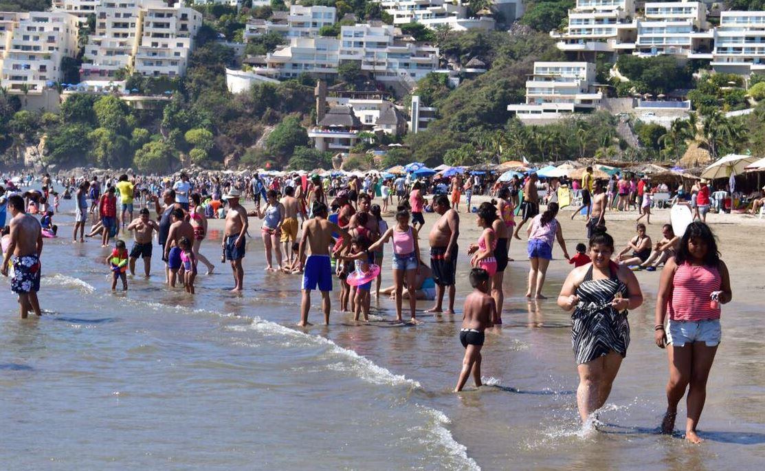 acapulco despide playas vacacionistas ocupacion hotelera