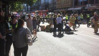 vehículo embiste peatones melbourne australia 12 lesionados