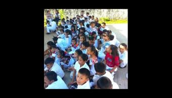Cambian uniformes escolares por traje regional en primaria de Yucatán