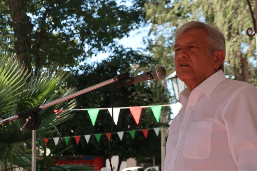 López Obrador pide la ayuda de sacerdotes