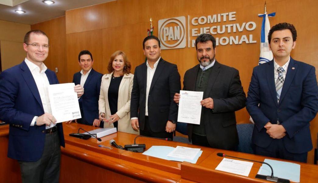 Anaya se registra como precandidato para la Presidencia de México