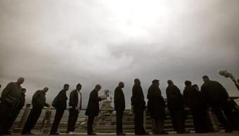 La ayuda por desempleo en Estados Unidos baja