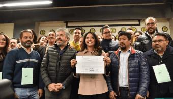 Alejandra Barrales registra precandidatura al Gobierno de la Ciudad de México