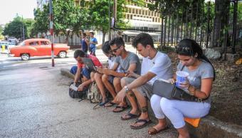 Cuba anuncia internet teléfonos móviles 2018