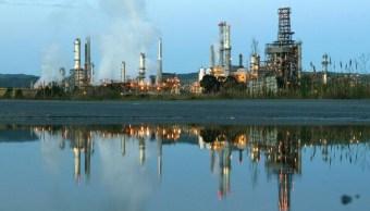 La demanda de crudo en China impulsa al Brent