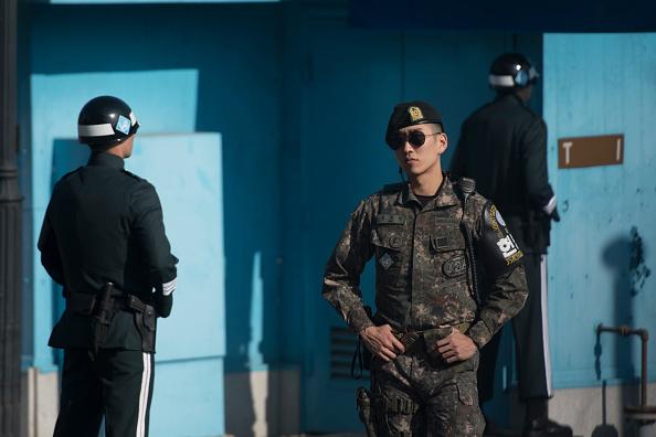 Un soldado coreano huye a Corea del Sur