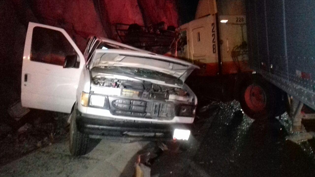 Seis muertos y 14 heridos deja aparatoso accidente carretero