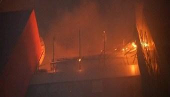 Suman 15 muertos incendio edificio Mumbai
