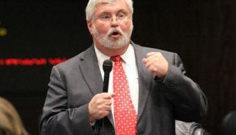 Gobernador de Florida pide renuncia de senador Latvala, acusado de abuso sexual
