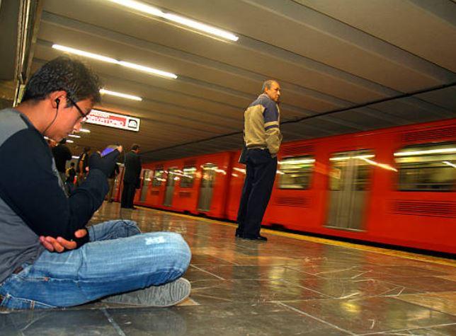 Malas posturas al usar dispositivos electrónicos incrementan las lesiones