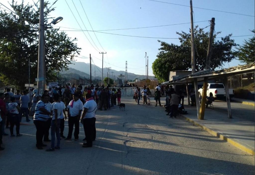 https://i2.wp.com/noticieros.televisa.com/wp-content/uploads/2017/12/motin-en-penal-de-acapulco.jpg