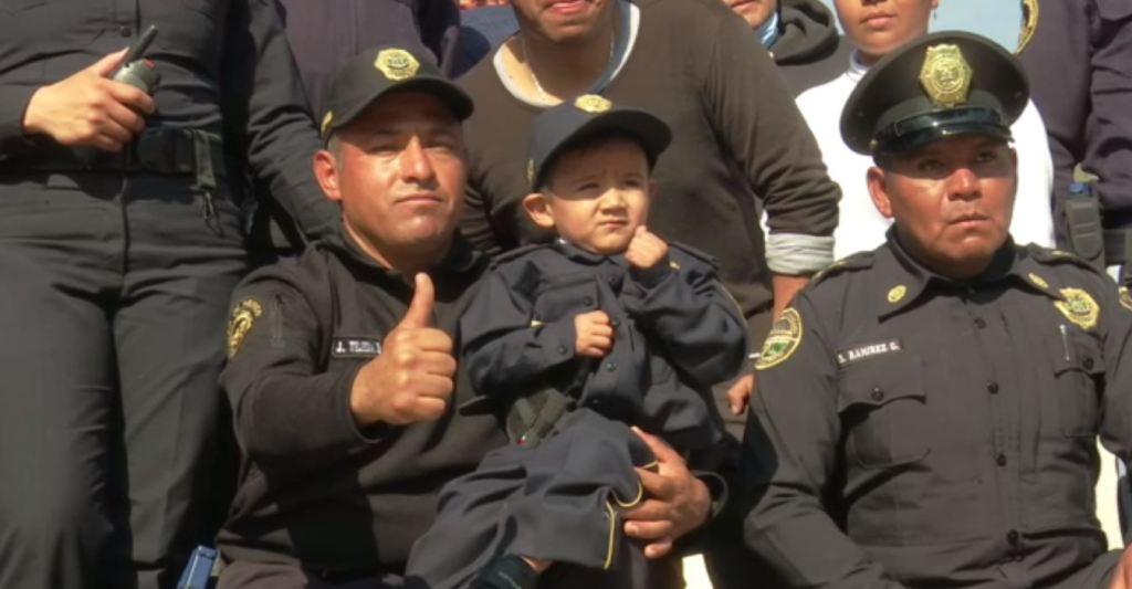 Niño de 3 años con histiocitosis cumple sueño de ser policía