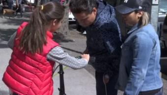 Niños estrenan los juguetes que les trajo Santa Claus en CDMX