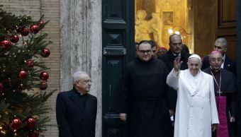 Papa Francisco pide en Roma 'anticuerpos' contra la indiferencia y la degradación