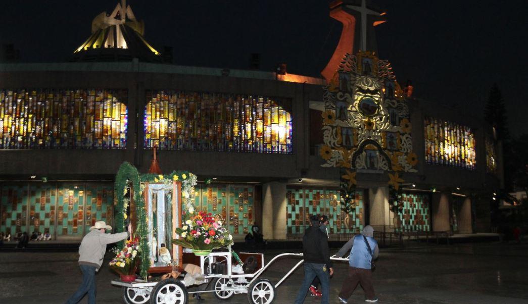 peregrinos llegan a la basilica de guadalupe