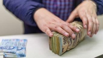 El peso mexicano abre con ganancia