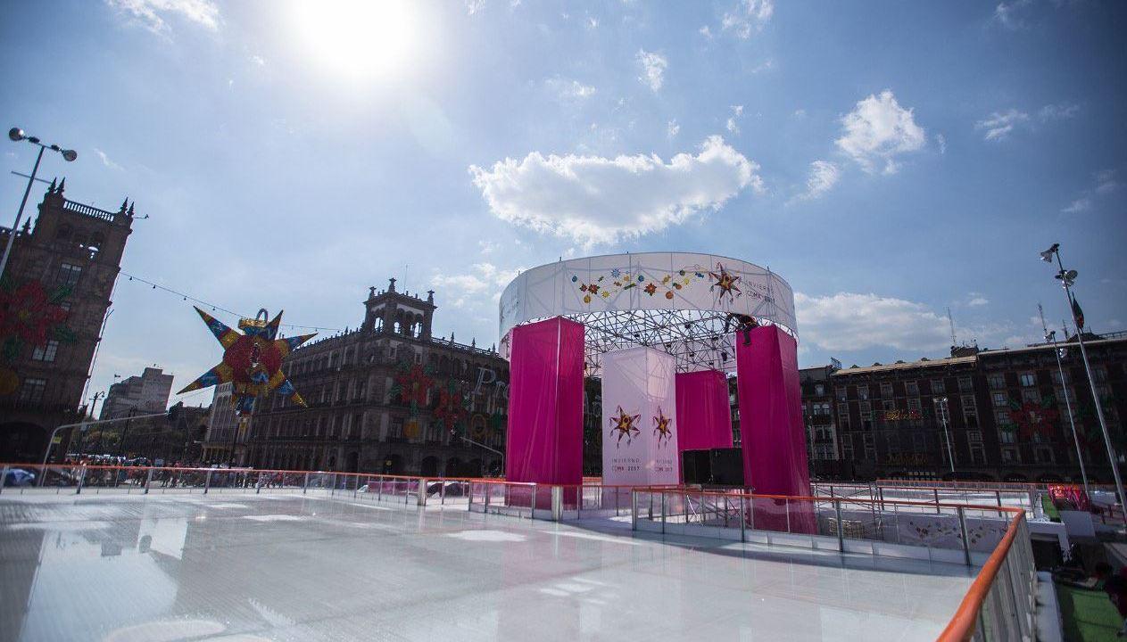 Todo listo en el Zócalo CDMX para inaugurar pista de hielo
