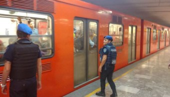 Detienen a quinceañera que robó celular en estación del Metro Merced