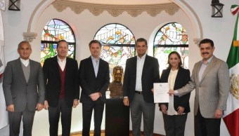 Eruviel Ávila deja presidencia del PRI-CDMX; se suma a campaña de Meade