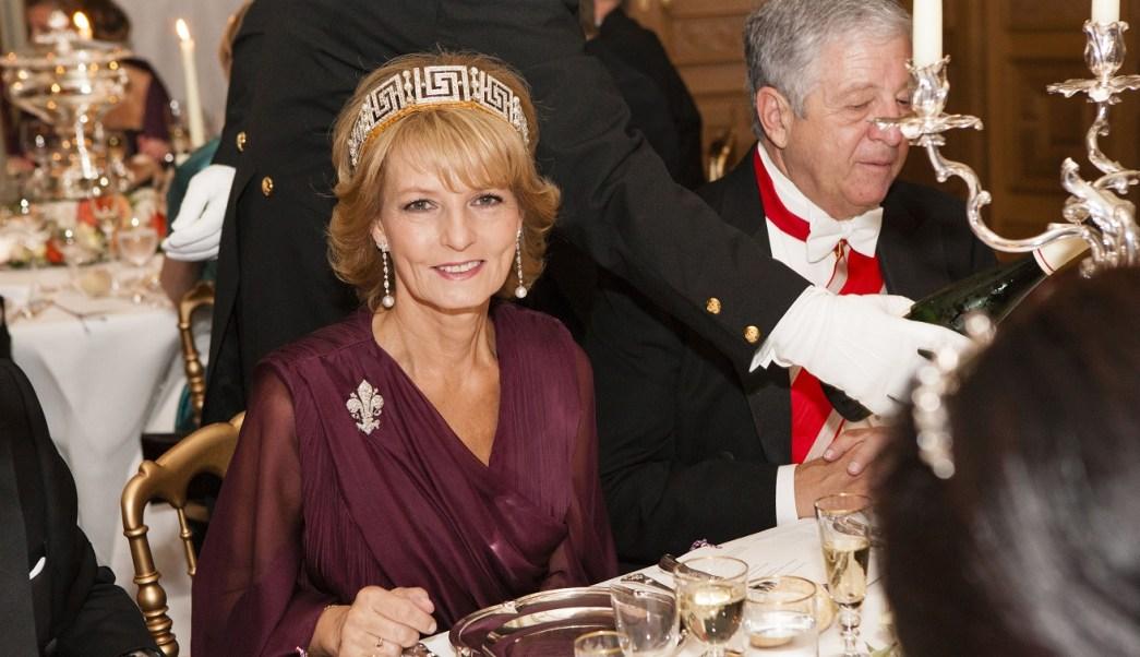 Princesa Margarita hereda el trono de Rumania al morir su padre