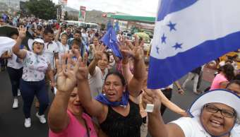Marchan fraude electoral Honduras y relección Hernández