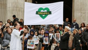Recuerdan a víctimas de incendio en la Torre Grenfell de Londres