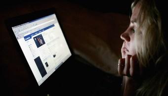Revisión pasiva Facebook puede hacerte sentir mal