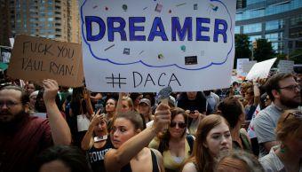 Trump y dreamers compiten ser persona año revista Time