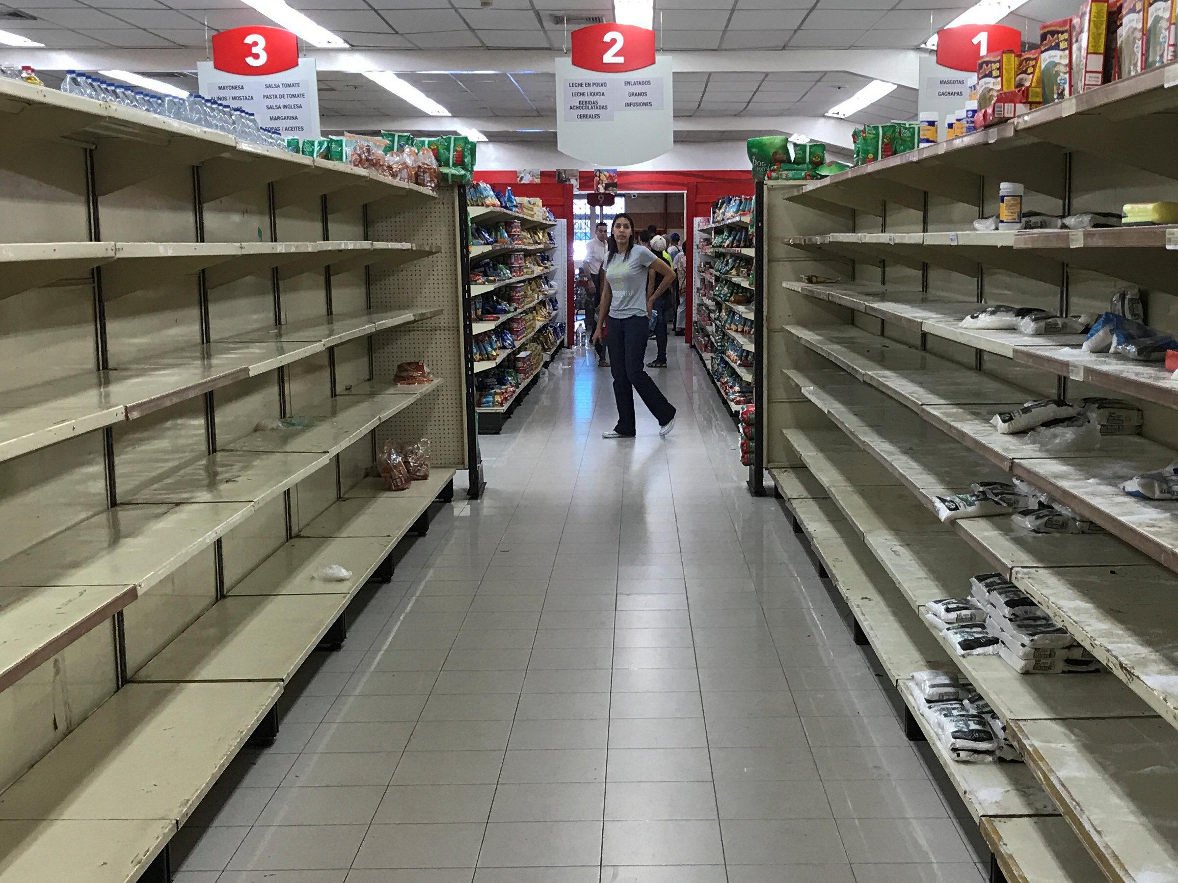 Supermercados vuelven a aparente normalidad en Caracas