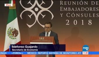 Ildefonso Guajardo participa en la reunión de cónsules y embajadores