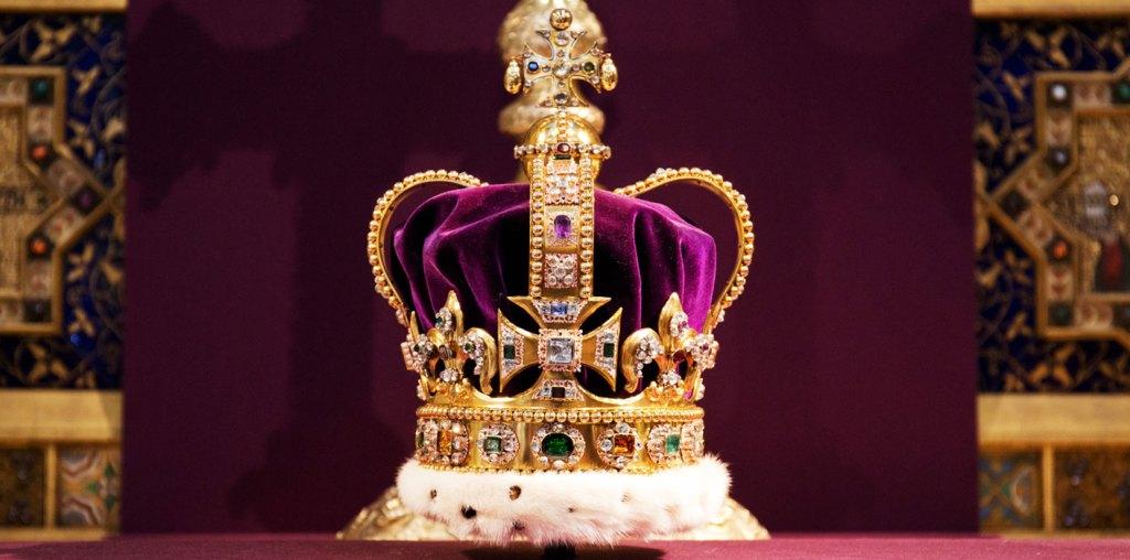 Isabel II recuerda el día de su coronación como horrible y muy incómodo