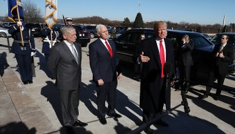 Trump visita Pentágono en apoyo al Ejército por posible cierre de Gobierno