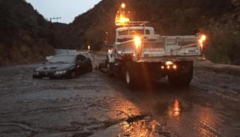 Aludes afectan California por tormenta invernal que desató lluvias récord